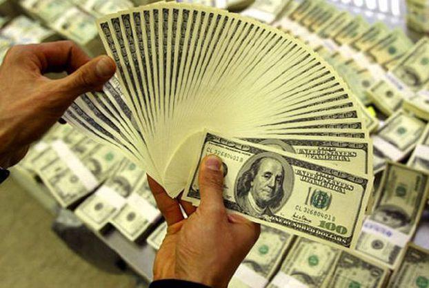 موسم الحوالات … 12 مليون دولار قيمة الحوالات من الخارج يومياً .. 130 ليرة خسارة كل دولار في الحوالات عبر القنوات الرسمية