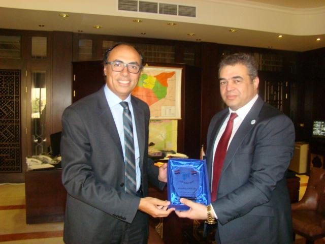صور زيارة الوفد الى سفارة مصر