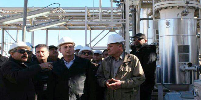 وزير النفط يطلع على عمليات التأهيل في مشروع معمل غاز المنطقة الوسطى بالرقة ويؤكد أن دخول أي محطة نفطية في الإنتاج سينعكس على الوضع الكهربائي