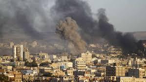 39 قتيلا بينهم سجناء جراء غارة للتحالف على صنعاء