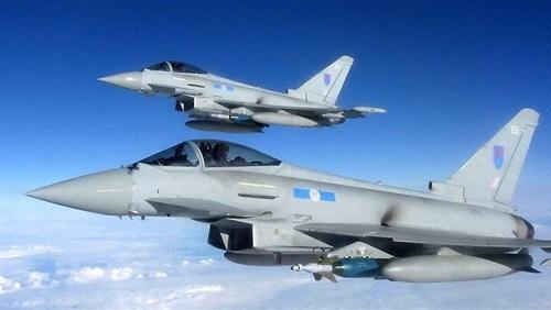 """قطر تشتري 24 مقاتلة """"تايفون"""" من بريطانيا"""