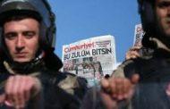 أحكام بالسجن على 13 من العاملين في صحيفة جمهوريت التركية