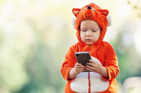 دراسة: الهواتف تخلف مشاكل سلوكية لدى الصغار