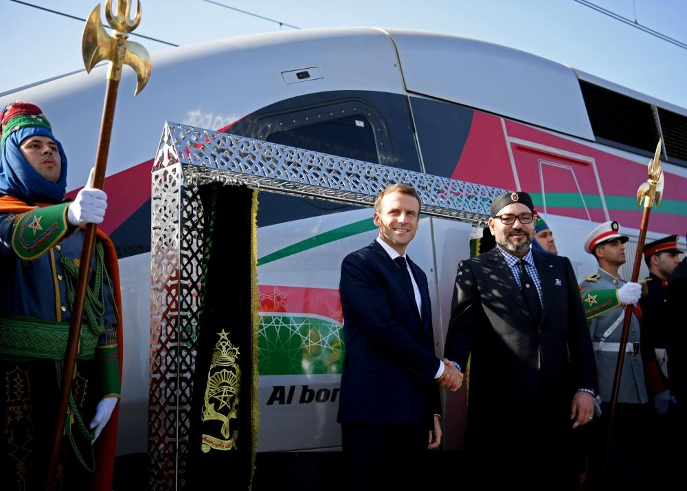 الرئيس الفرنسي والعاهل المغربي يدشنان أول قطار فائق السرعة في المغرب