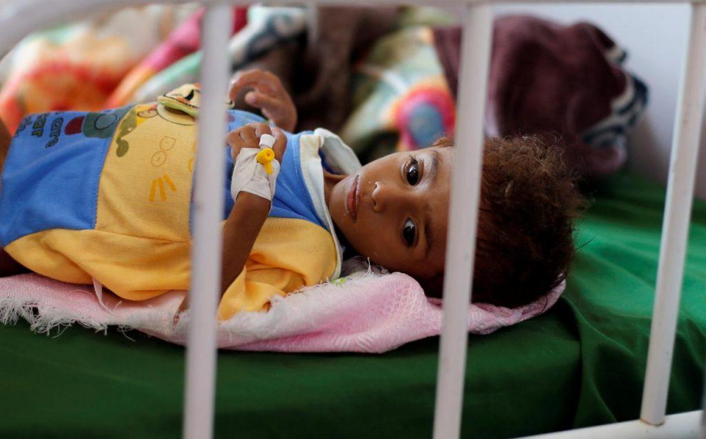 منظمات إغاثة تقول إن القتال على مشارف الحديدة باليمن يحاصر آلاف المدنيين