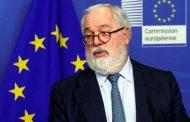 مفوض المناخ بالاتحاد الأوروبي يدعو إلى القضاء على الانبعاثات بحلول 2050