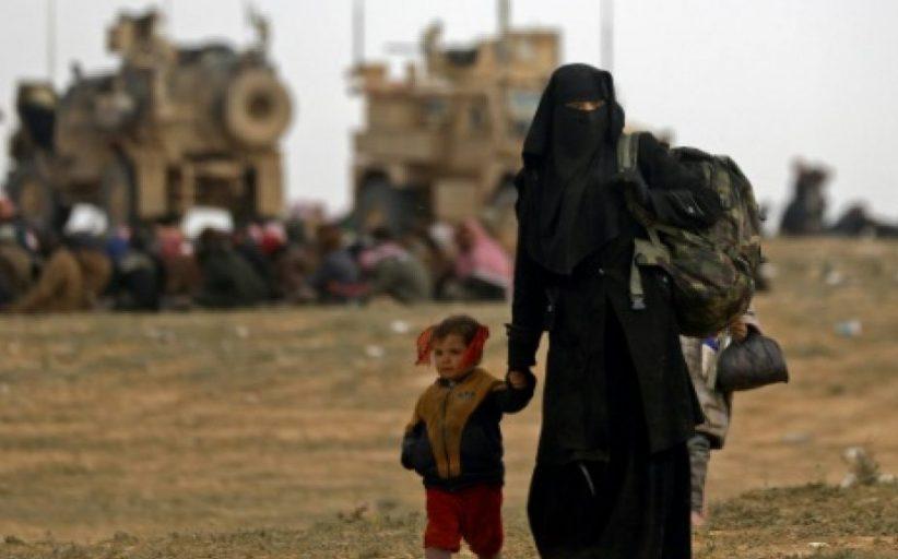 استسلام المئات في آخر جيب للدولة الإسلامية في شرق سورية