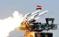 التلفزيون السوري : الدفاعات الجوية في قاعدة حميميم تتصدى لقذائف صاروخية