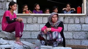 دواعش منشقون يقتادون مختطفات إيزيديات من العراق إلى سورية