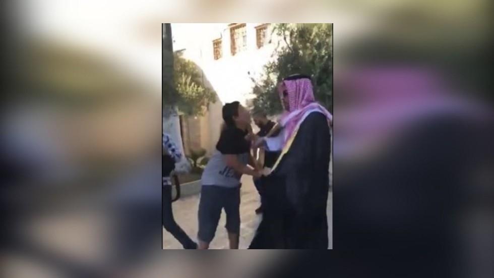 إسرائيل تعتقل مقدسيين وتبعد فتى عن الأقصى عقابا على مهاجمة مدون سعودي