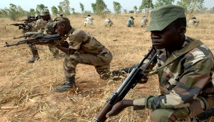 مقتل خمسة من جنود مالي في كمين نصبه من يشتبه بأنهم متشددون