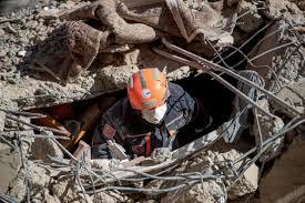 استمرار البحث عن ناجين بعد مقتل 29 شخصا في زلزال تركيا