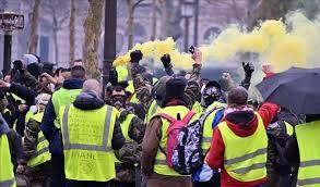 تواصل احتجاجات السترات الصفراء في فرنسا للسبت الـ15