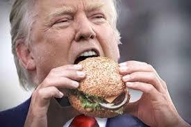 تقرير طبي: ترامب يزداد وزنا ويدخل مرحلة السمنة