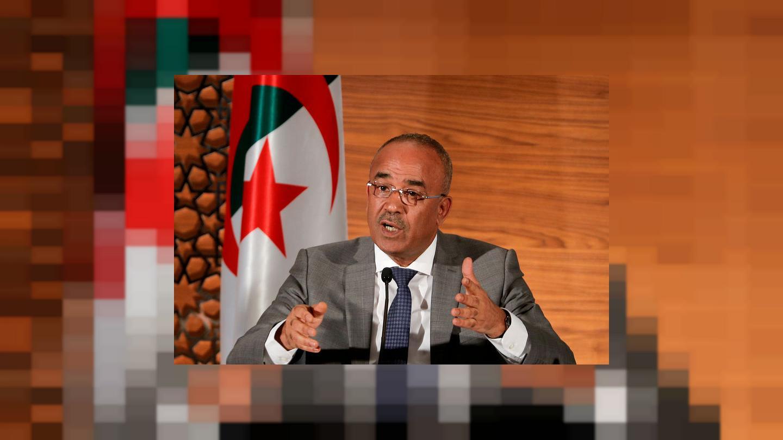 رئيس الوزراء الجديد في الجزائر يعد بتشكيل حكومة موسعة ويدعو للحوار