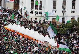 البرلمان يستعد لانتخاب رئيس مؤقت للجزائر يوم الثلاثاء