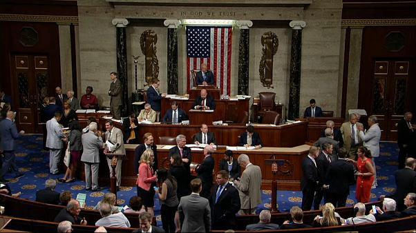 مجلس النواب الأمريكي يرفض مبيعات أسلحة للسعودية وترامب يعد بالفيتو