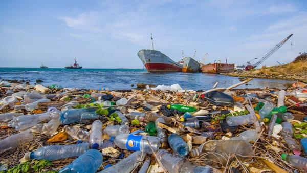 دراسة فرنسية: المتوسط أكثر البحار الأوروبية تلوثا