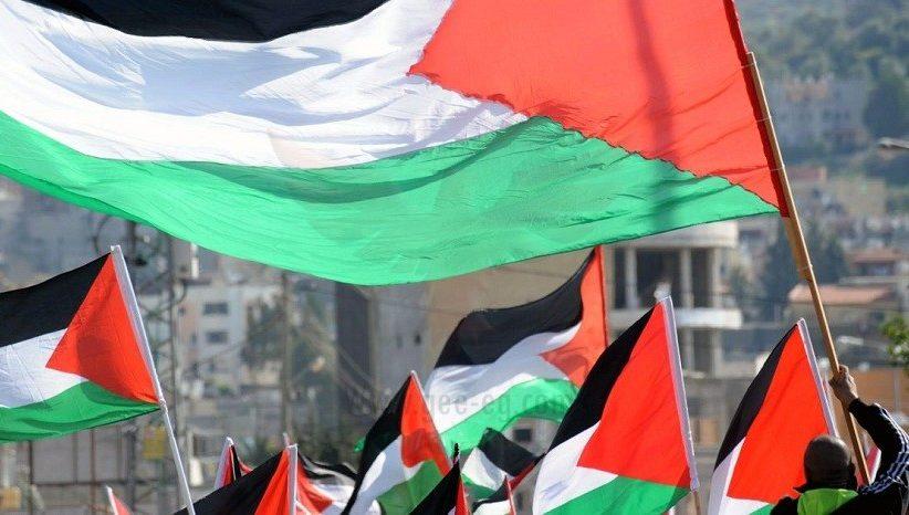 الفلسطينيون يتطلعون لانتخابات طال تأجيلها ويطلبون السماح بإجرائها في القدس